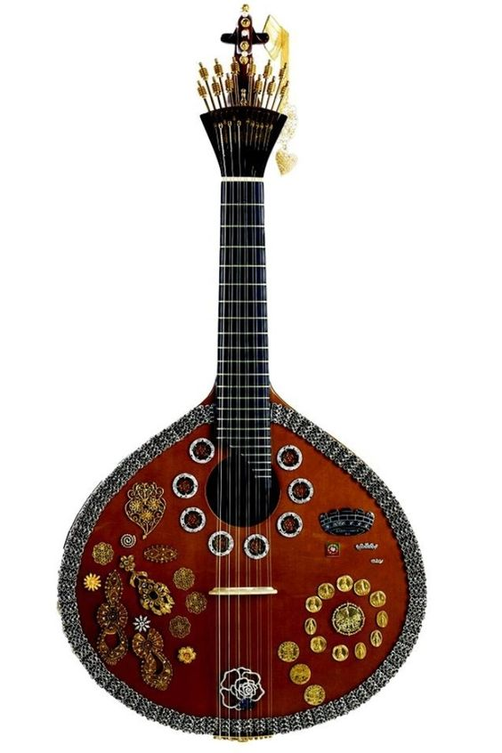 Guitarra portuguesa, exclusively from Lisbon
