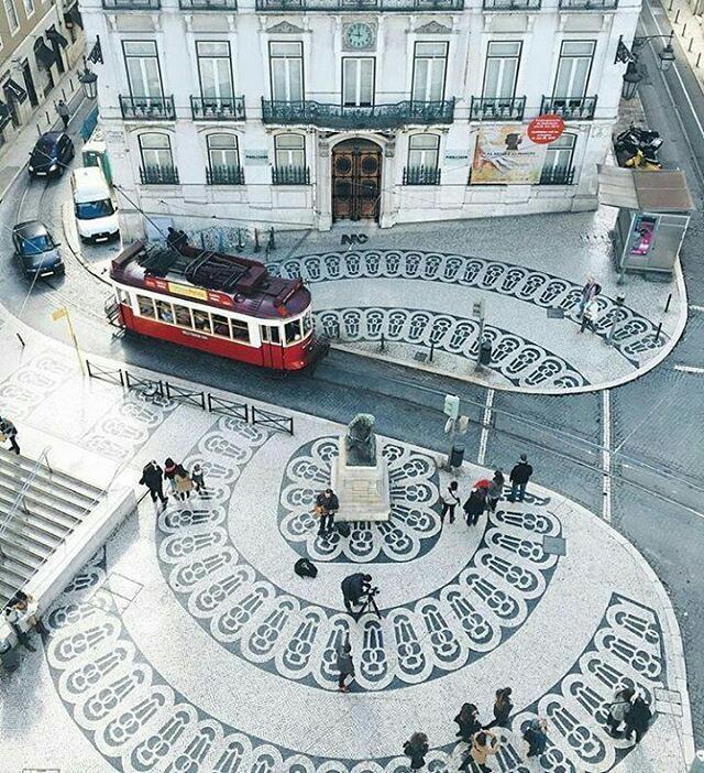 Chiado in Lisbon (blue line)