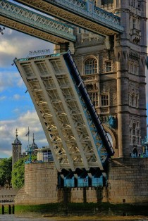Do not jump from Tower Bridge