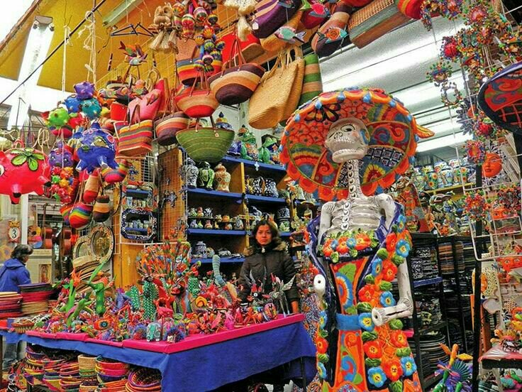La Ciudadella market, Art and craft in Mexico City. Ciudad del Mexico best ranked market. There are many though and good.