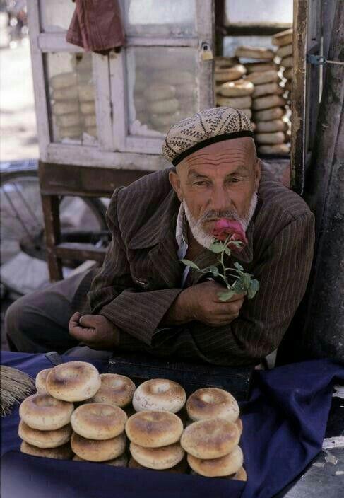 The Silk Road: bread vendor at Kashgar's Market