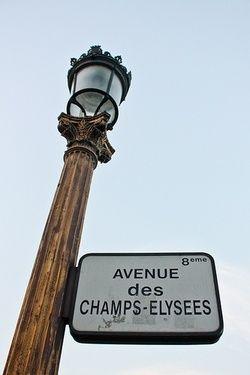 Arc du Triumph - Champs Elysee - Louvre