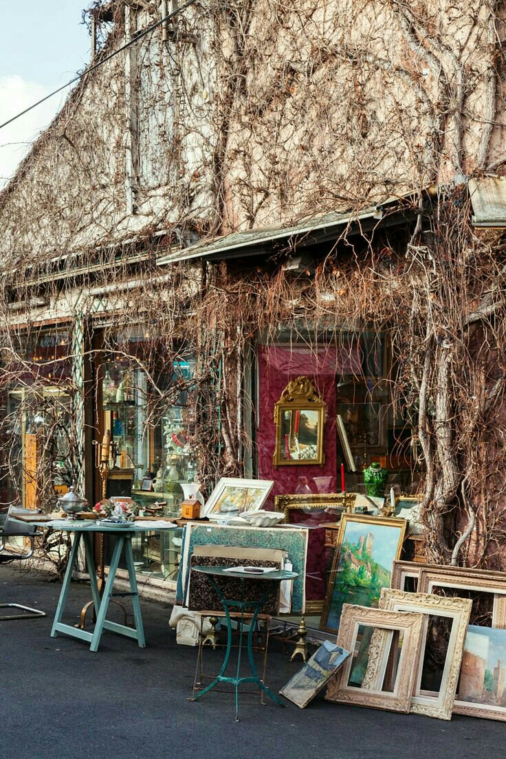 TOP 10 shopping streets and flea markets