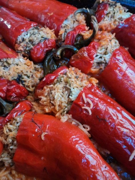 Albanian food Stuffed Peppers Speca të Mbushura
